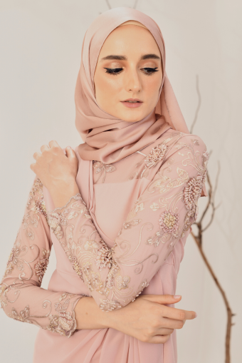 Luna Drape Kurung in Dusty Pink