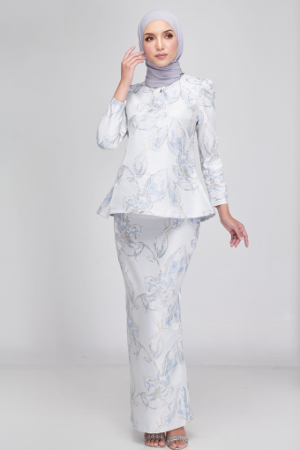 Laura Kurung in Ice Blue
