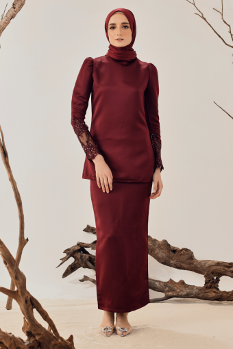 Saleha Lace Kurung in Maroon