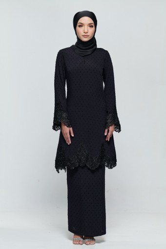 Kamila Kurung in Black